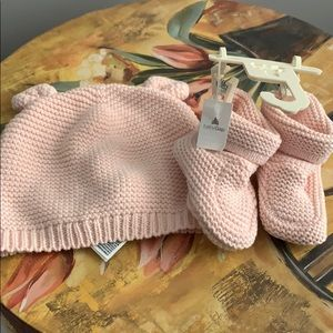 Baby Pink bonnet and booties